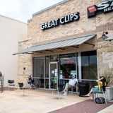 140 People Have Been Exposed to COVID-19 After a Missouri Hair Salon Reopened