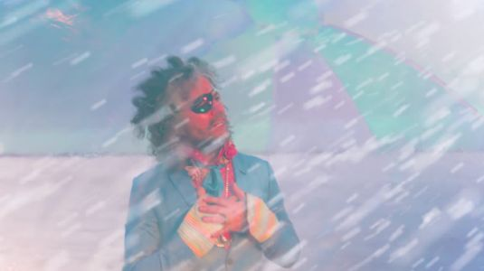 """The Flaming Lips - """"The Story Of Yum Yum And Dragon"""" Video"""