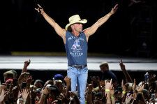 CMA Entertainers In The Stadium Era: How Big Venues Changed The Music