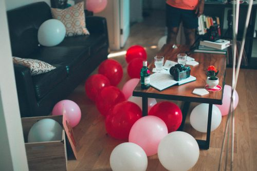 5 Holiday Party Survival Tips For Introverts