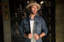 Drake White Taken To Hospital After Nearly Collapsing Onstage