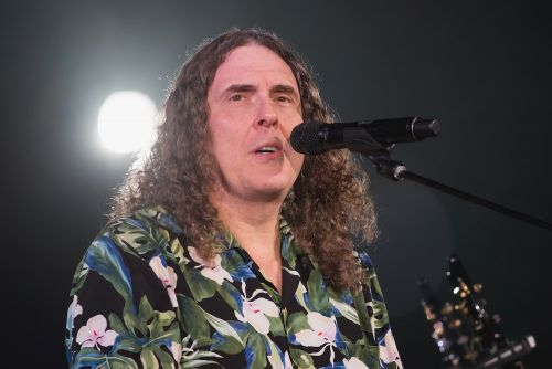 Here's A Supercut Of The 77 Cover Songs Weird Al Played On Tour This Year