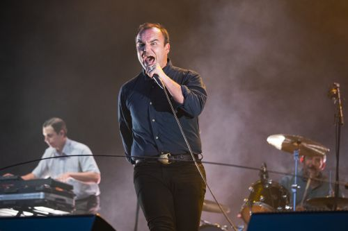 Future Islands Once Got R. Kelly Dropped From An Ohio Festival: Report
