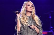 Carrie Underwood Inspires as Women Lift Each Other up at CMT Artists of the Year