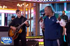 Martin Garrix & Mike Yung Deliver Acoustic 'Dreamer' on 'Good Morning America': Watch