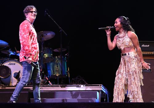 Watch Weezer Bring Out Tears For Fears, TLC's Chilli At Coachella