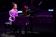 Alicia Keys Plays 'Moonlight Sonata' at Memorial After Story About Kobe Bryant Learning to Play It for His Wife