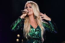 Carrie Underwood Make an Appearance at Keith Urban Show: Watch
