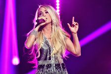 Carrie Underwood Shows Off Baby Bump After Pregnancy Announcement