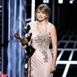 Taylor Swift Dedicates Her BBMAs Win to All the Trailblazing Women in Music