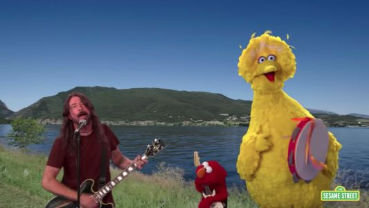 Dave Grohl Does Sesame Street