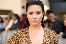 Demi Lovato Looks Fresh & Healthy in Stunning NoMakeupMonday Selfie
