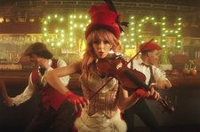 Lindsey Stirling Releases Festive 'You're A Mean One, Mr. Grinch' Video Just in Time For the Holidays