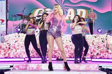 Taylor Swift Embraces 'Lover' Vibes With Full Pink Outfit For 'Good Morning America' Performance: See Pics