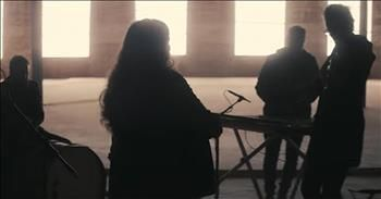 'Ain't No Grave' Molly Skaggs And Bethel Music Acoustic Performance