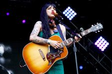 Mon Laferte & Piso 21 Hit Top Five on Latin Pop Albums Chart