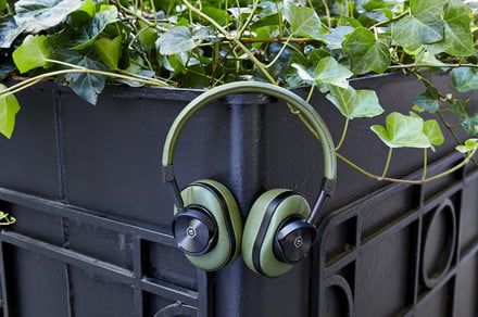 Get some bud-green Master and Dynamic wireless headphones for $50 off this 420