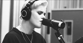 'Another In The Fire' Hillsong UNITED Acoustic Performance