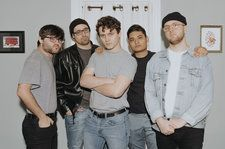 Rising Pop-Punk Group Hot Mulligan Debut Quirky 'Equip Sunglasses' Video: Watch