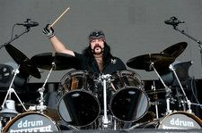 Eleven Seven Label Group Responds to Death of 'Pioneer & 'Absolute Legend' Vinnie Paul