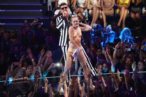 "Miley Cyrus Says Donald Trump Called Her To Say He ""Loved"" Her Twerking At The 2013 VMAs"