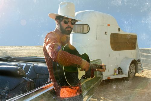 Ryan Bingham Dazzles with Troubadour Charm at the Sweetwater