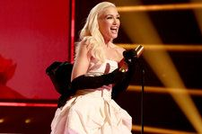 "Gwen Stefani's Gown Says ""Fashion Icon,"" So Like, No Doubt That's What She Is"