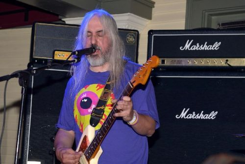 Please Watch J Mascis Singing Tom Petty Karaoke To A Half-Empty Bar In Massachusetts