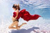 These Extraordinary Underwater Maternity Photos Redefine Pregnancy Pictures