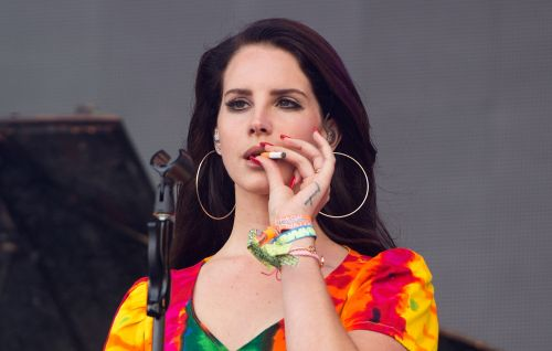 """Listen to Lana Del Rey's Drifting New Single, """"Mariners Apartment Complex"""""""