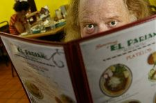 Jonathan Gold, Pulitzer-Winning Restaurant Critic, Dies at 57