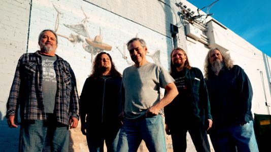 Meat Puppets Come Galloping Out Of A Stable With 'Warranty'