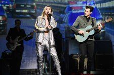 Watch Mark Ronson & Miley Cyrus Perform 'Nothing Breaks Like a Heart' Backed by String Section