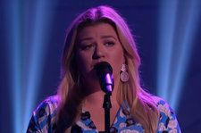 Happy Thanksgiving Eve, Here Are 2 New Kelly Clarkson Covers Of Sam Smith and The Verve