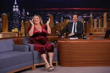 Bridget Everett Serenades 'Sexiest Man Alive' Idris Elba With Rihanna's 'Only Girl' on 'Tonight Show': Watch